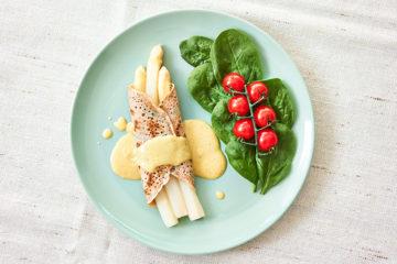 Yasemin Wüstenhagen Spargel im Kräuterpfannkuchen – vegan gesund lecker einfach voller Nährstoffe