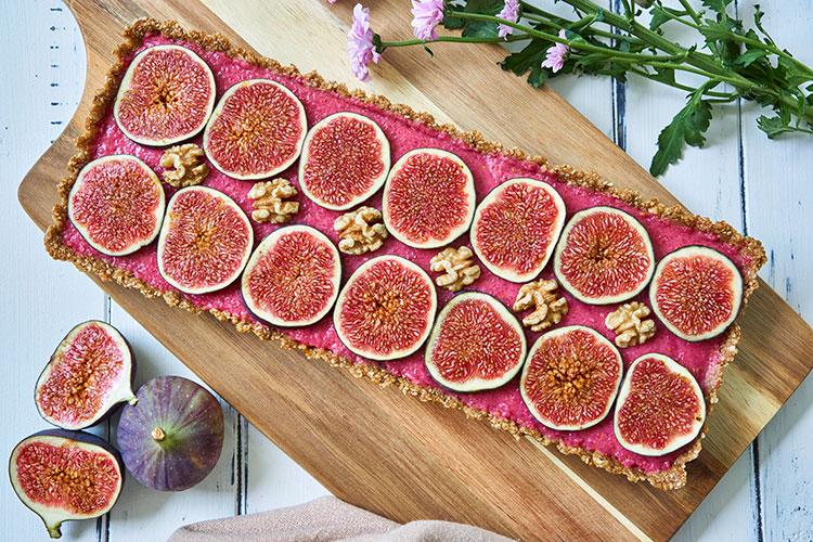 Fein, frisch, fruchtig – Roh-vegane No-Bake-Tarte mit Feigen total Yasemin Wüstenhagen
