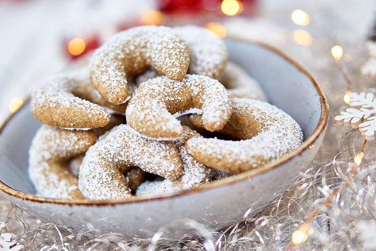 Vegane Vanillekipferl – ohne Zucker und Gluten Yasemin Wüstenhagen Plätzchen