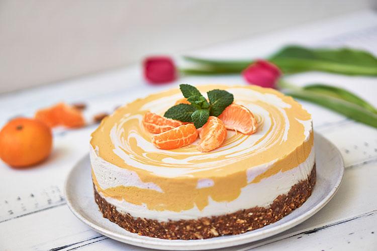 Roh-vegane Käse-Sahne-Torte mit Mandarinen Yasemin Wüstenhagen glutenfrei