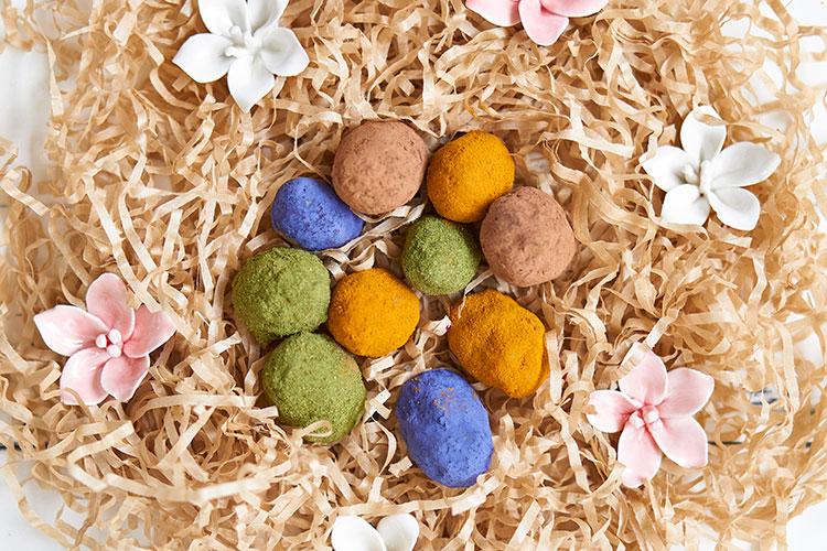 Roh-vegane Superfood-Ostereier ohne Zucker Yasemin Wüstenhagen Ostern