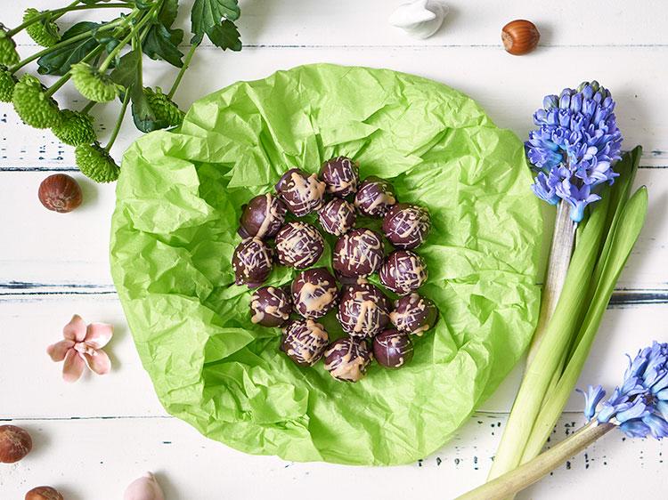Vegane Nougat-Eier ohne Zucker Yasemin Wüstenhagen Osternest