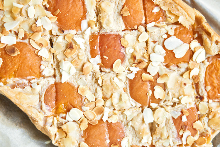 Veganer Käsekuchen mit Aprikosen Yasemin Wüstenhagen fruchtig