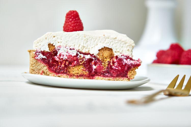 Vegane Himbeer-Mascarpone-Torte Yasemin Wüstenhagen imposant