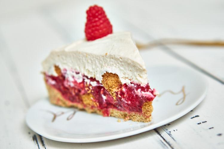 Vegane Himbeer-Mascarpone-Torte Yasemin Wüstenhagen Stück